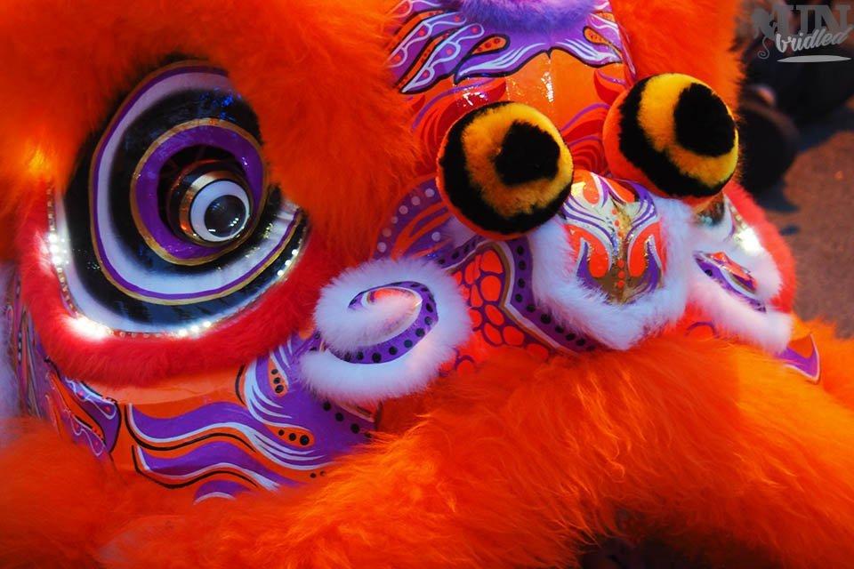Oranger Löwenkopf von einem Kostüm des Chinesischen Neujahrsfestes in Penangin Penang