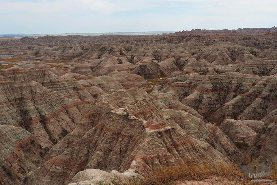 Der Badlands Nationalpark mit seinen Gesteinsschichten