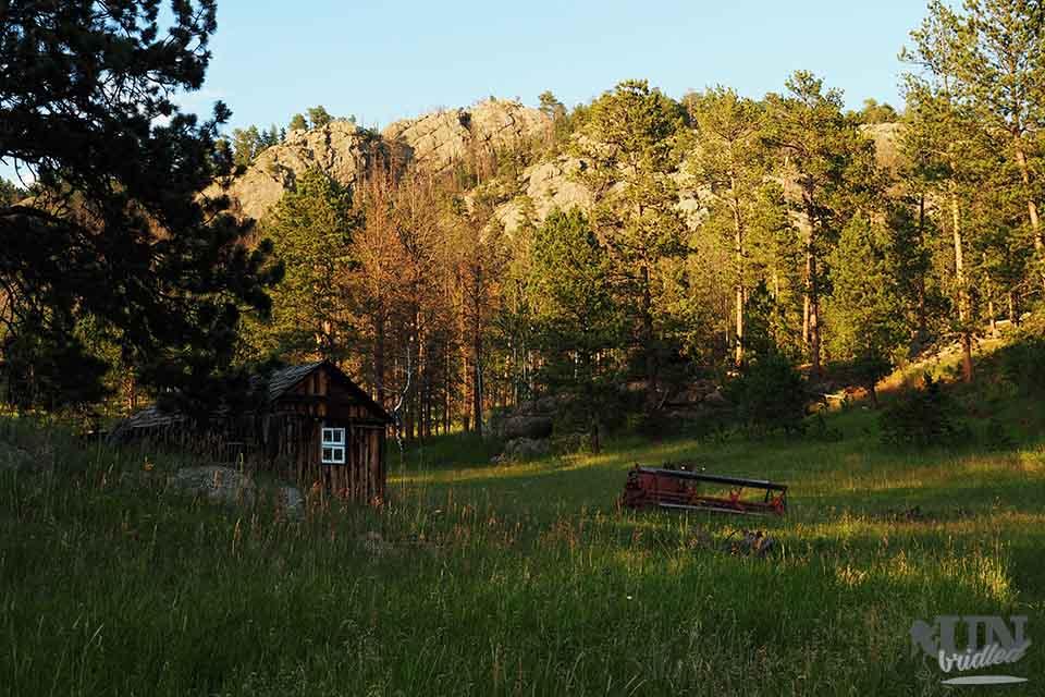 Little cabin behind the Echo Valley Park campground