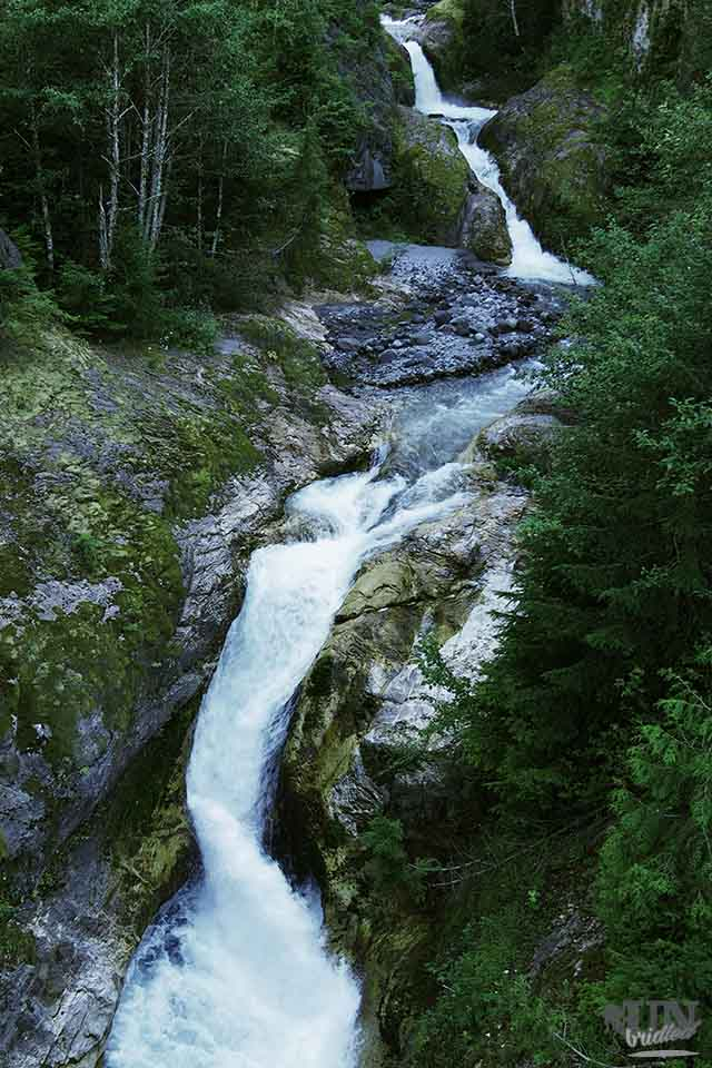 Waterfalls at Lava Canyon Trail (Gifford Pinchot National Forest, USA)