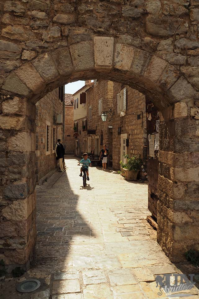 The entrance to a different time - Budva's old town is fascinating