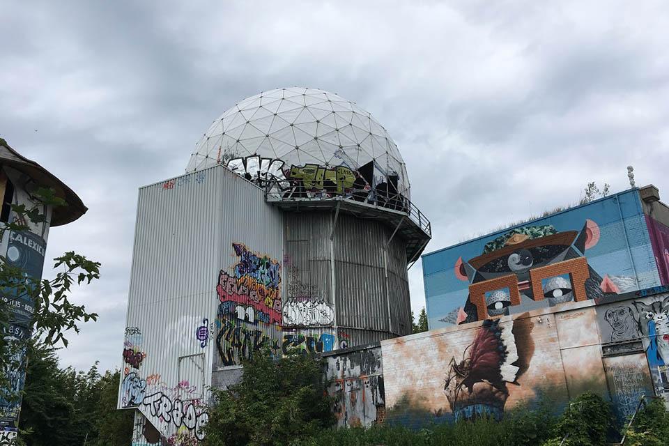 Der Teufelsberg in Berlin - Amerikanische Abhörstation aus dem Kalten Krieg