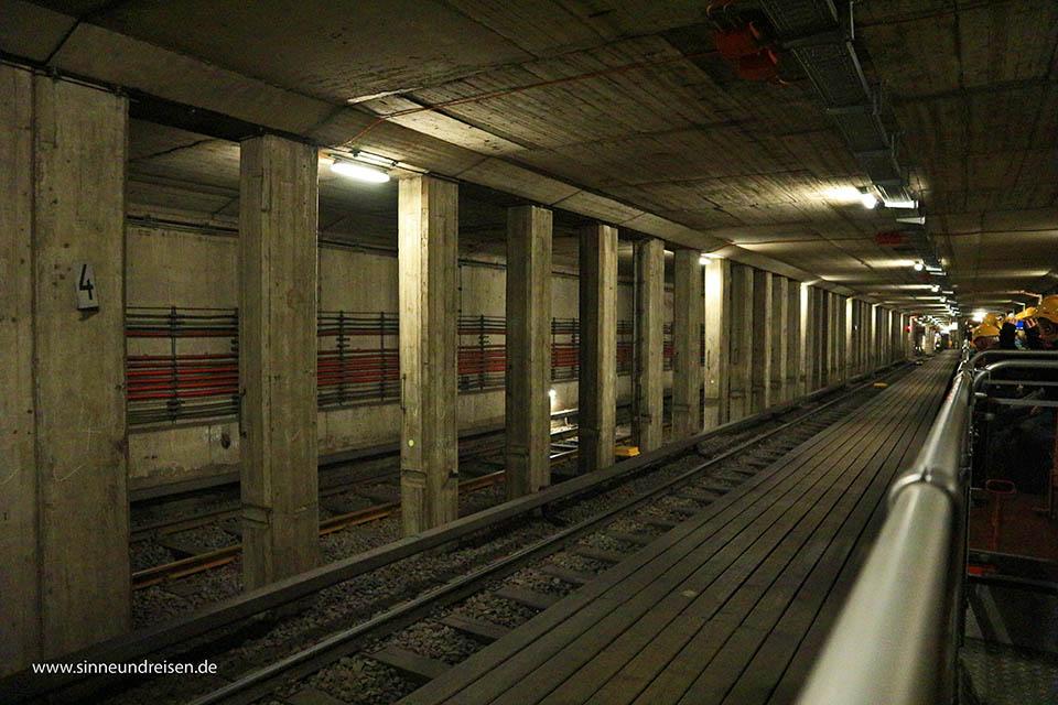 Untergrund-Tour in Berlin als eine der alternativen Stadtführungen in Berlin