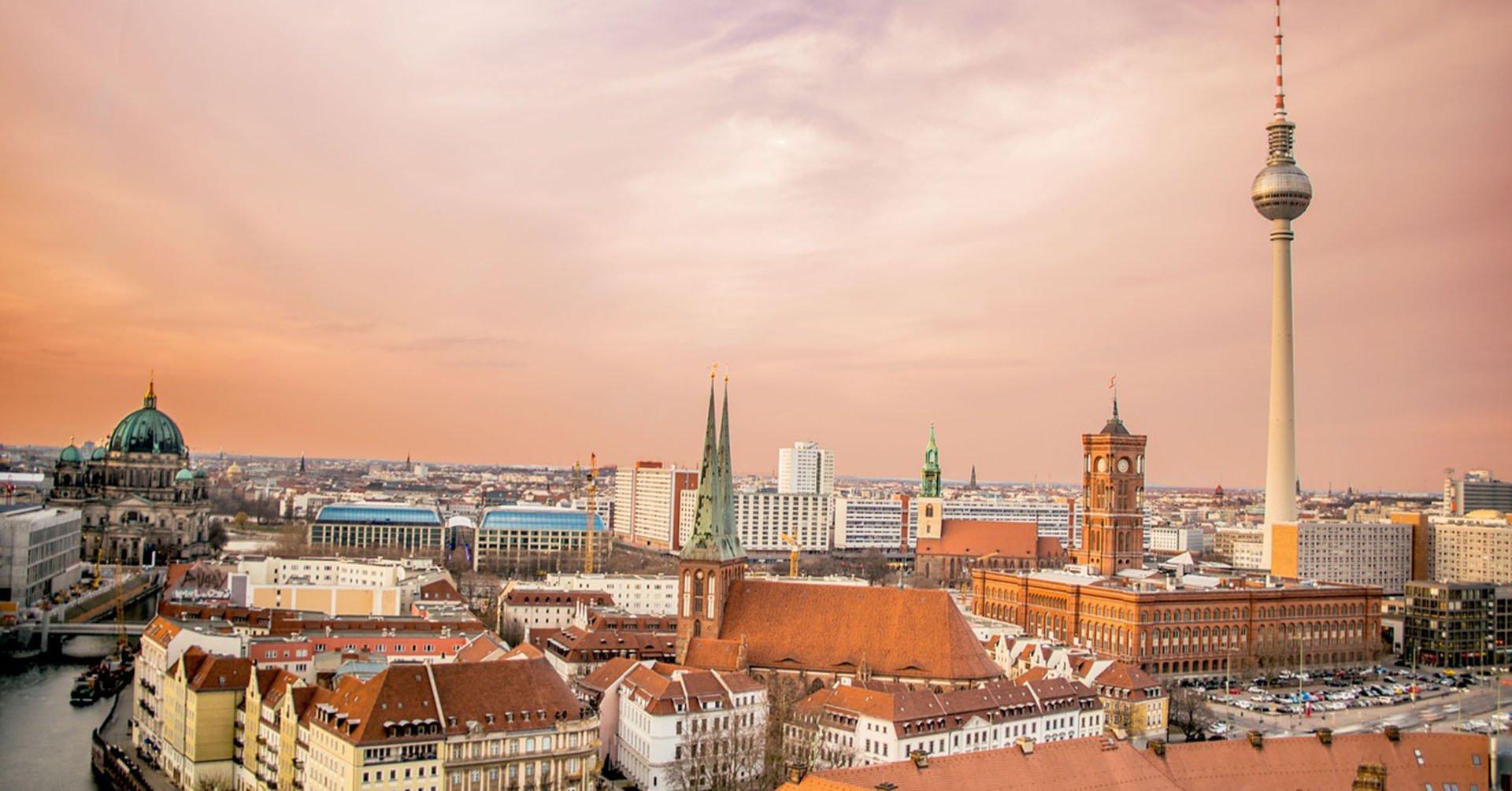 Berlin skyline during sunrise - Alternative sightseeing tours in Berlin