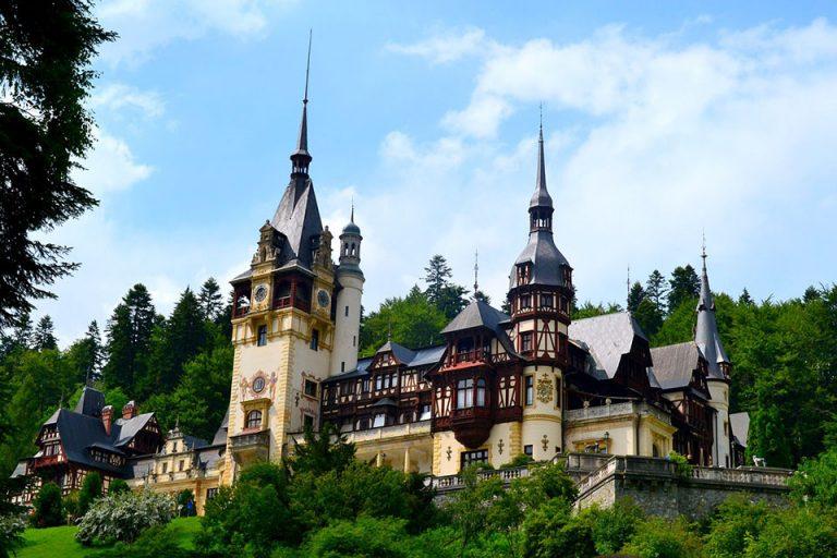 Rennaissance castle in Transylvania as the prettiest of all castles in Transylvania