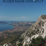 Berg- und Küstenlandschaft mit dem Text: Wanderwege in der Nähe von Split - Kroatien